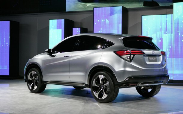 2015 Honda Urban SUV exterior