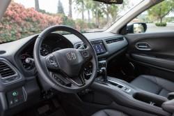 2016 Honda HR V interior1 250x166 2016 Honda HR V price and specifications