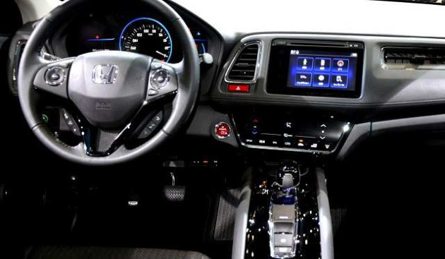 2016 Honda Vezel interior 630x367 2016 Honda Vezel review