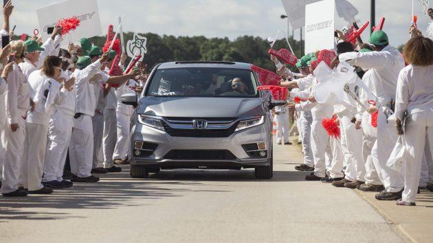 2017 Honda Odyssey 5 630x354 2017 Honda Odyssey Release Date