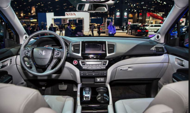 2017 Honda Pilot interior 1 630x375 2017 Honda Pilot