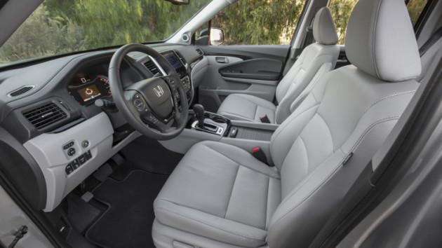 2017 Honda Ridgeline interior 3 630x354 2017 Honda Ridgeline release date
