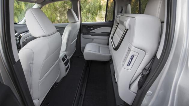 2017 Honda Ridgeline interior 5 630x354 2017 Honda Ridgeline release date
