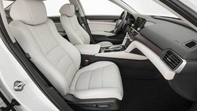 2018 Honda Accord interior 2 630x354 2018 Honda Accord Sport