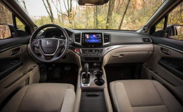 2018 Honda Pilot Interior 3 630x385 Price